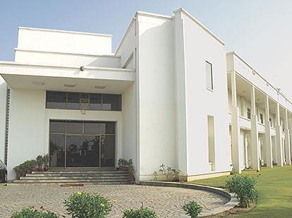 Derewala World Jewellery - India's largest Jewelry Manufacturer